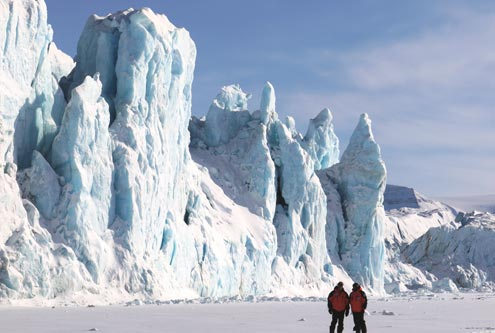 Doug & Dennis in front of the glacier at Tempelfjord